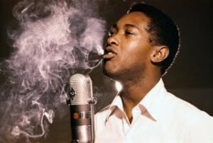 sam-cooke-smoking-in-front-of-the-microphone1